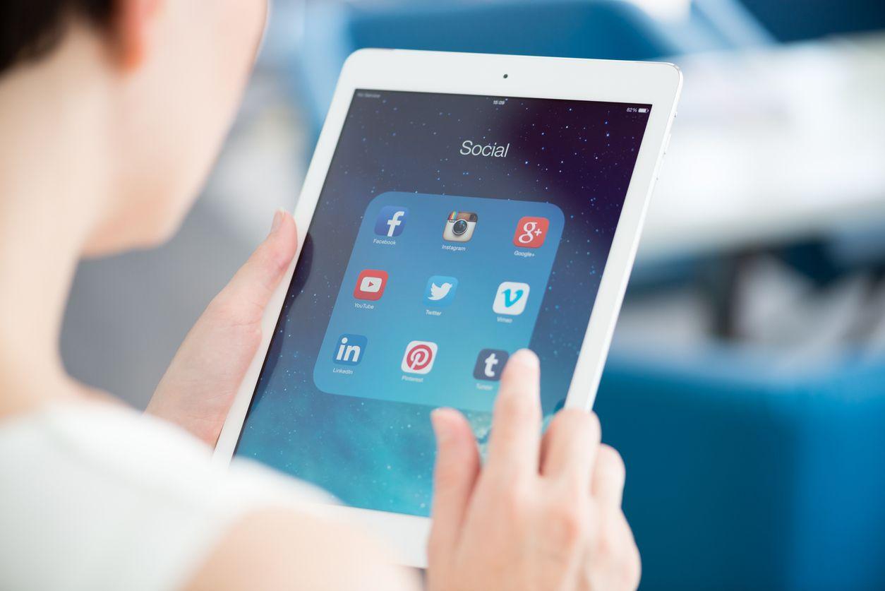 Social ads: ¿Qué es mejor, Facebook Ads o LinkedIn Ads?